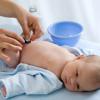Как ухаживать за пупком новорожденного? Гигиена малыша с первых дней жизни