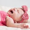 Младенец плачет во сне. Стоит ли бить тревогу?