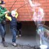 Как сделать большой мыльный пузырь