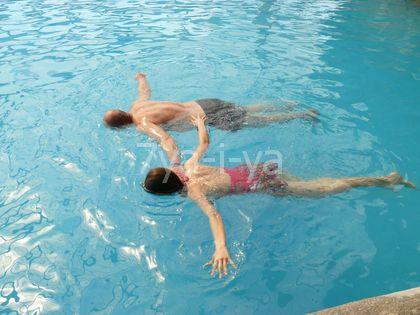 научиться плавать самостоятельно