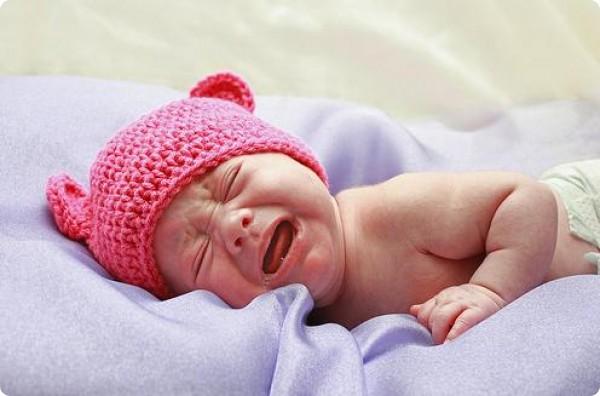 ребенок 4 месяца внезапно кричит во сне неправильно