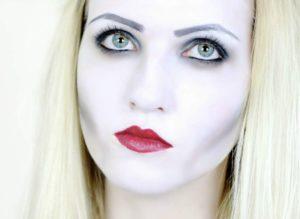 хеллоуин вампир