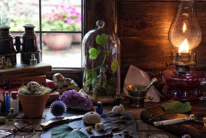 предметы на столе