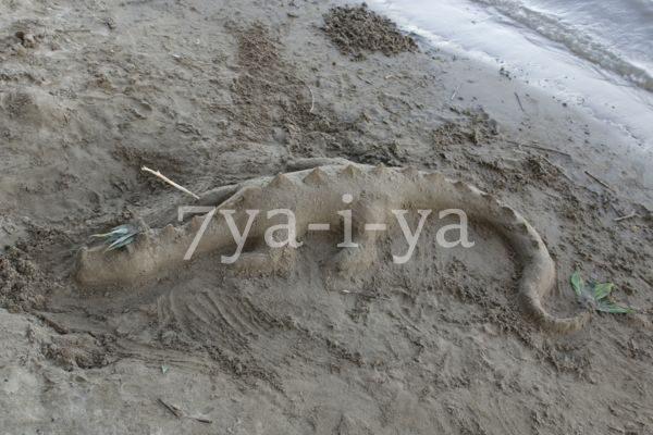 Фигуры из песка пляжа